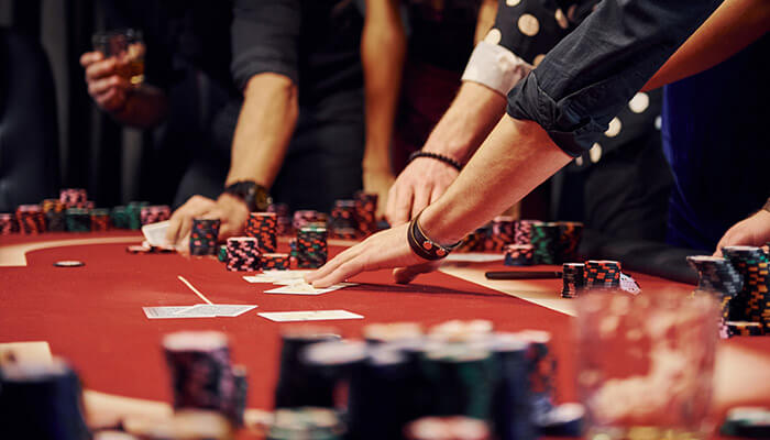 How a poker hand is played